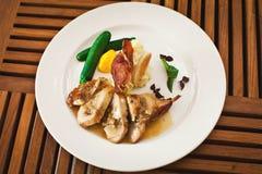 Świeży zdrowy jedzenie z chiken i warzywa Fotografia Stock