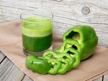 Świeży zielony paprica smoothie sok Zdjęcia Stock