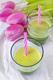 Świeży zielony sok Zdjęcia Stock