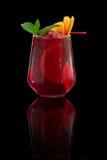 Świeży zimny tropikalny koktajl nad czarnym tłem Obraz Royalty Free
