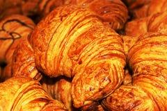 Świeżych francuskich croissants zamknięty up Fotografia Royalty Free