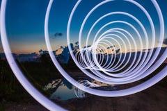 Świecąca spirala na drodze obraz stock