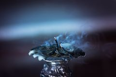 Świeczka dym w zmroku fotografia stock