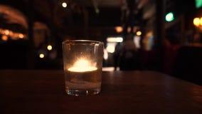 Świeczka na stole w barze zbiory