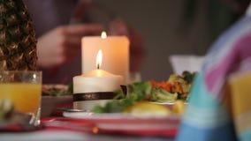 Świeczka na wakacyjnym stole zbiory
