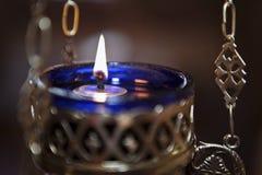 Świeczka pali w kościół, szczegół Obraz Royalty Free