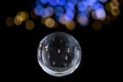 Świeczka zaświecająca w Magicznej kryształowej kuli wróżba Interpretacja sen, Psychiczna, pomyślność mówi jonu czerń z zdjęcie stock