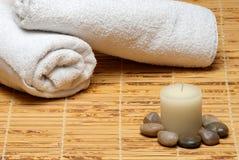 świeczki bambusowa mata kołysa ręczniki Zdjęcie Stock