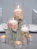 Świeczki Na kwiacie fotografia stock