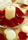 świeczki płatków róż kamienie Zdjęcie Stock