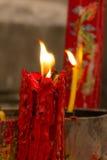 Świeczki palenie przy świątynią świt Zdjęcie Stock