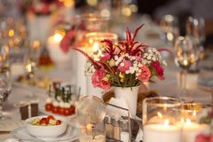świeczki stół zdjęcia royalty free