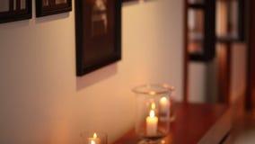 Świeczki w szklanych lampach Ślubne dekoracje Poślubiać w Monteneg zbiory wideo