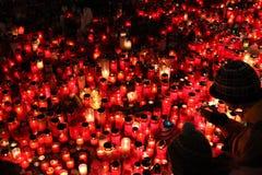 Świeczki zsiadają w memoriam opóźnionym Czeskim prezydencie Vaclav Havel Zdjęcia Royalty Free