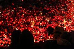 Świeczki zsiadają w memoriam opóźnionym Czeskim prezydencie Vaclav Havel Fotografia Stock
