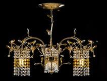 Świecznik dla nowożytnego wnętrza krystaliczny świecznik dla korytarza, żywego pokoju lub sypialni, Odizolowywający na czarny tle Zdjęcia Royalty Free