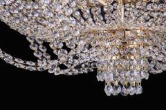Świecznika światło w wnętrzu, Chrystal świecznika zakończenie krystaliczna część od świecznika, świecznik, oświetlenie, wyposażen Zdjęcia Stock