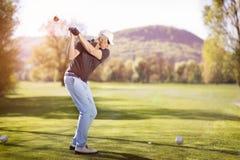 świetlicowego golfowego mężczyzna stary chlanie Obrazy Royalty Free