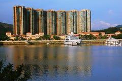 świetlicowy brzegowy złocisty Hong kong jacht Fotografia Stock