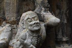 Świetne Buddha statuy longmen groty rzeźbią na falezie w górach Fotografia Royalty Free