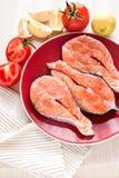 Świezi łososiowi rybi stki zdjęcie royalty free