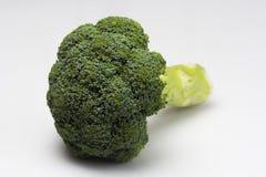 Świezi brokuły odizolowywający na a nad białym tłem zdjęcia royalty free