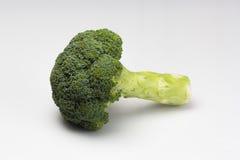 Świezi brokuły odizolowywający na a nad białym tłem zdjęcie royalty free