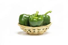 Świezi capssicum warzywa na białym tle Zdjęcia Royalty Free