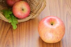 Świezi czerwoni jabłka Fotografia Royalty Free
