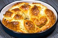 Świezi Domowej roboty boże narodzenia lub Ortodoksalnego wakacje Galonowy Słodki chleb fotografia stock