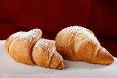 Świezi i smakowici croissants zdjęcie royalty free