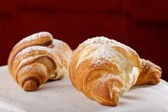 Świezi i smakowici croissants obrazy stock