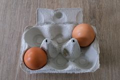 Świezi jajka od lokalnej produkcji zdjęcia royalty free