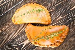 Świezi kulebiaki z mięsem fotografia royalty free