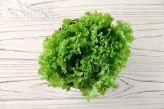 Świezi sałata liście w pucharze Zdjęcie Royalty Free