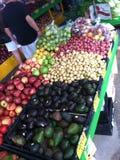 Świezi warzywa przy Farmer's rynkiem obraz royalty free