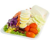 Świezi warzywa sałatkowi z slied jajkami Obrazy Stock
