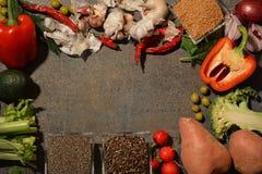 Świezi warzywa układający w okręgu obraz royalty free