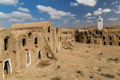 Świrony berber fortyfikowali wioskę, znać jak ksar Ksar Jlidet, Tunezja obrazy royalty free