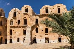 Świrony berber fortyfikowali wioskę, znać jak ksar Ksar Ouled Soltane, Tunezja fotografia stock