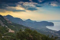 Świt na Adriatyckim wybrzeżu w Montenegro zdjęcia stock