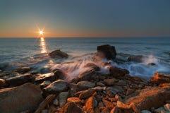 Świt nad morzem na długim ujawnieniu Zdjęcia Royalty Free