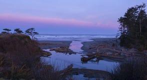 Świt przy Kalaloch plażą fotografia stock