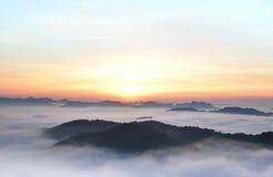 Świt ranek mgła Zdjęcia Royalty Free