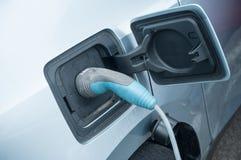 źródło zasilania czopował w elektrycznego samochód jest charg obraz stock