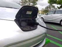 Źródło zasilania dla elektrycznego samochodu ładować Elektryczny samochód ładuje st zdjęcia stock