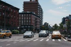 Żółci taxi na ulicie w Nowy Jork, usa, w lecie obraz royalty free