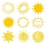Żółci Wektorowi słońc Doodles Obraz Royalty Free