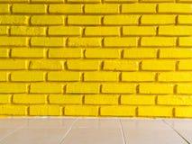 Żółty ściana z cegieł tekstury tło Obrazy Royalty Free