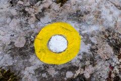 Żółty blask na kamieniu obrazy royalty free